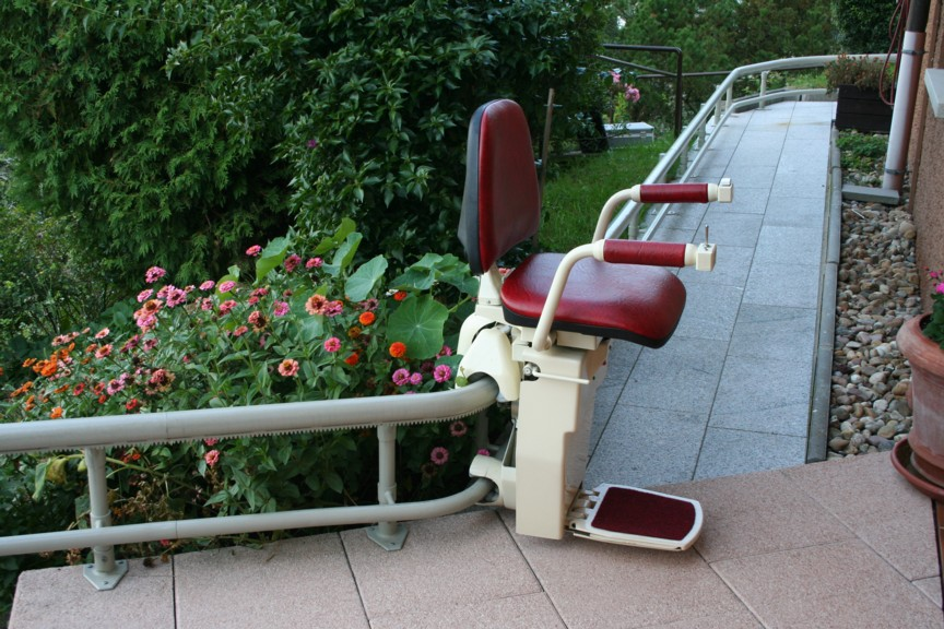 curved stair lift midway