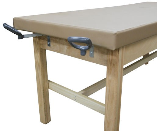 exam table with stirrups