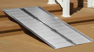 Single Fold Ramp – 600 lbs Capacity